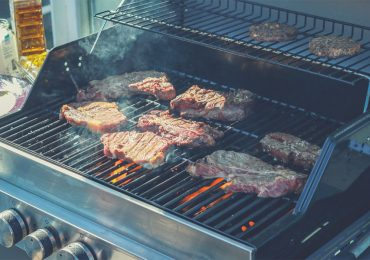 Gas grill loaded with meat - best gas grill under $500