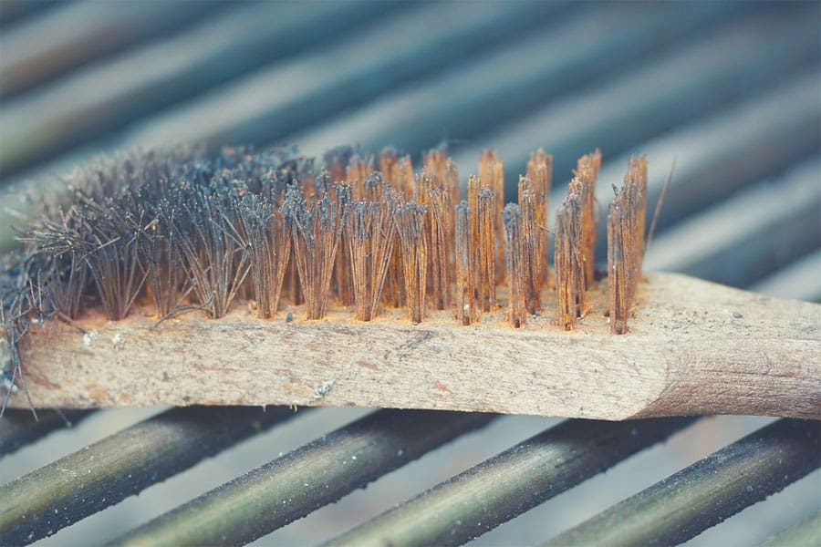 Grill brush on a grill - best grill brushes