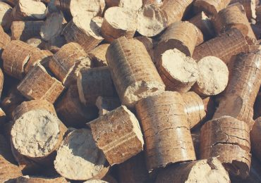 Pile of wood pellets - best wood pellets for smoking